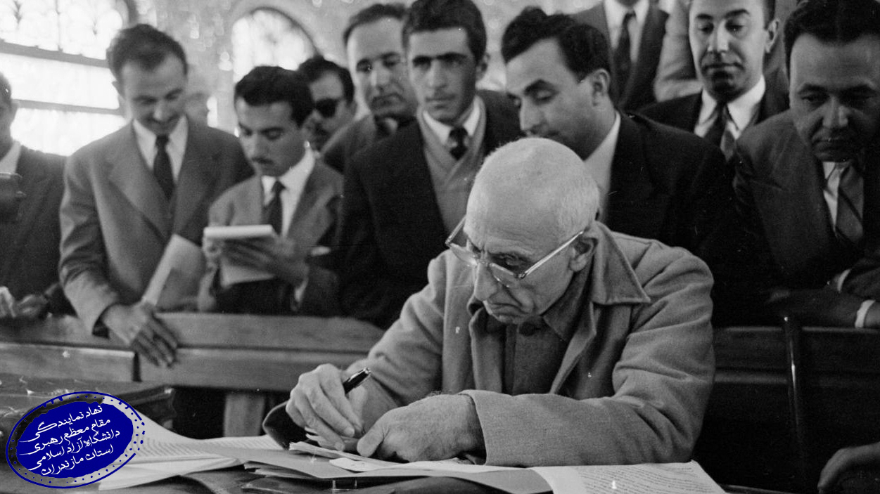 Iranian_Democratically_elected_Prime_Minister_Dr_Mohammad_Mosaddegh_CIA-Backed00_Junta_Pahlavi_Court